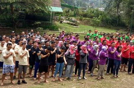 Outbound Ratusan Karyawan Superindo di Riverside