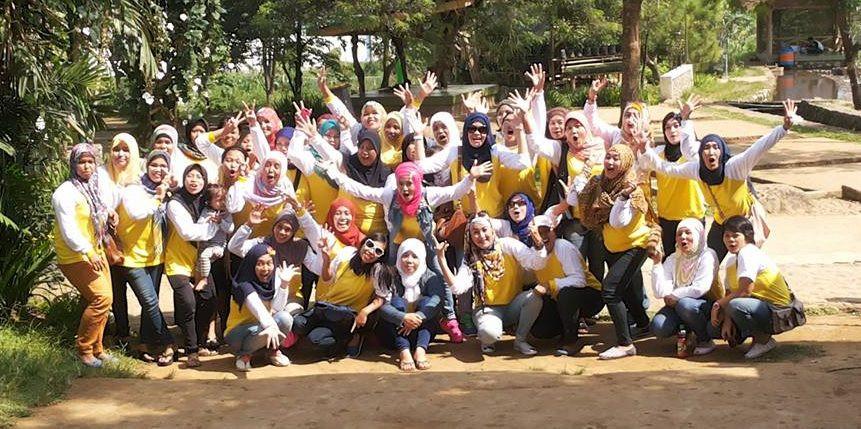 foto bersama kegiatan gathering