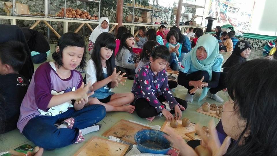 pelatihan keramik citra alam