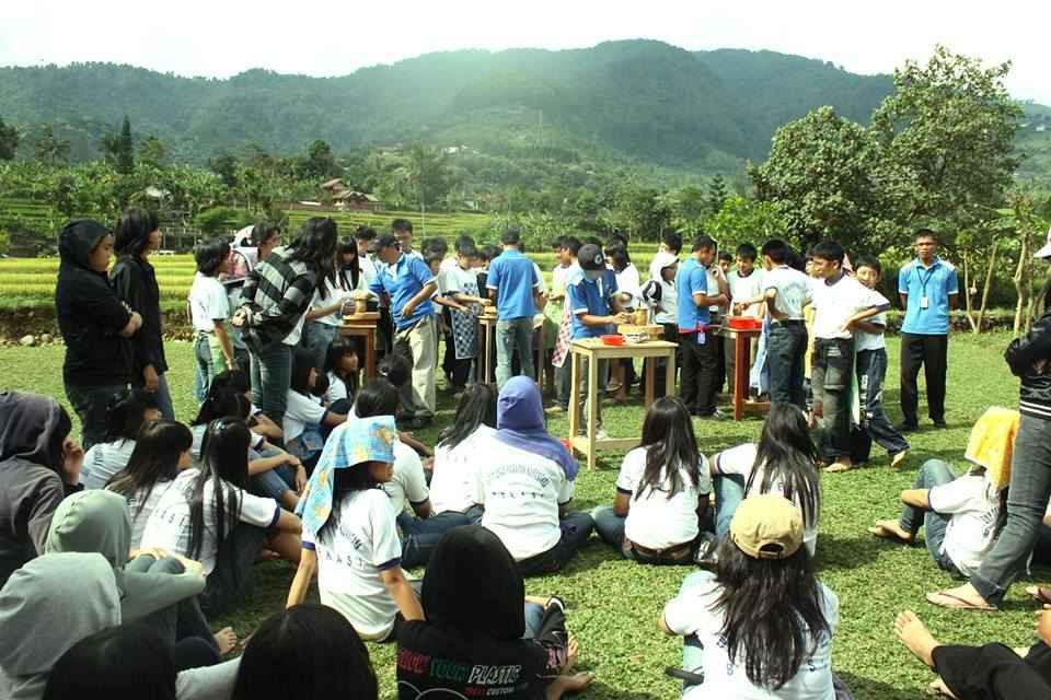 pelatihan keramik outdoor bernuansa pegunungan