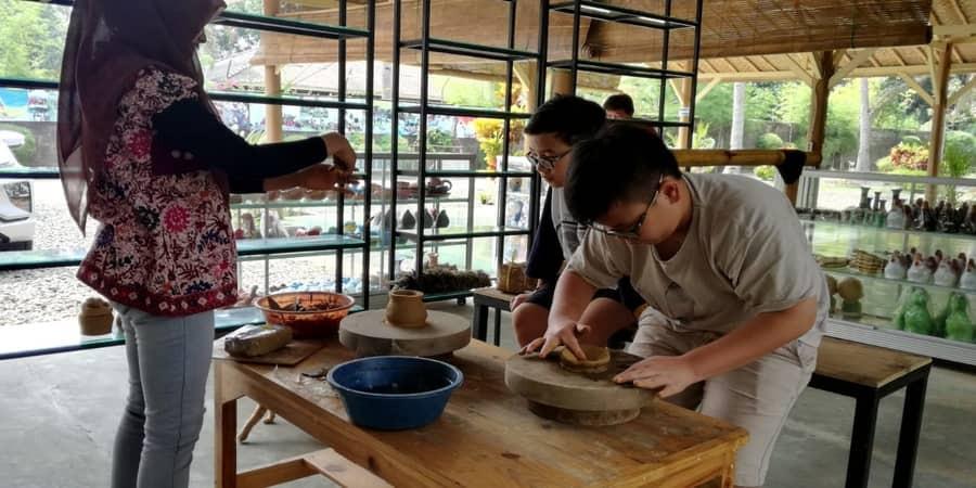 pelatihan keramik citra alam seaside