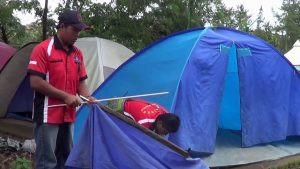 pemasangan tenda dome