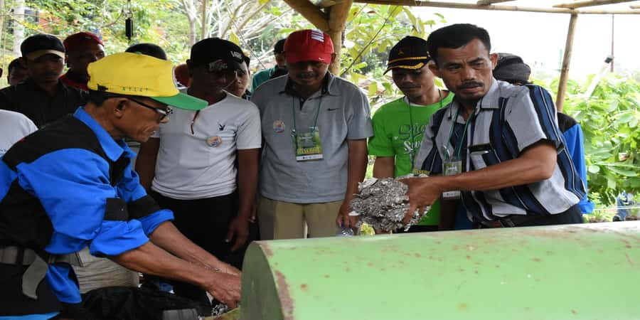 kegiatan daur ulang sampah DLH