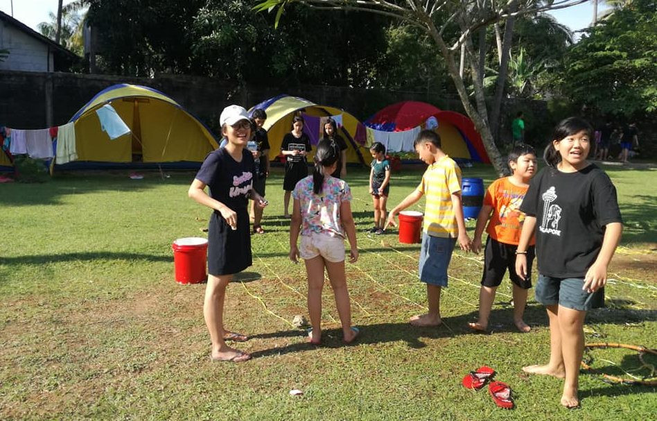 kegiatan camping siswa di anyer