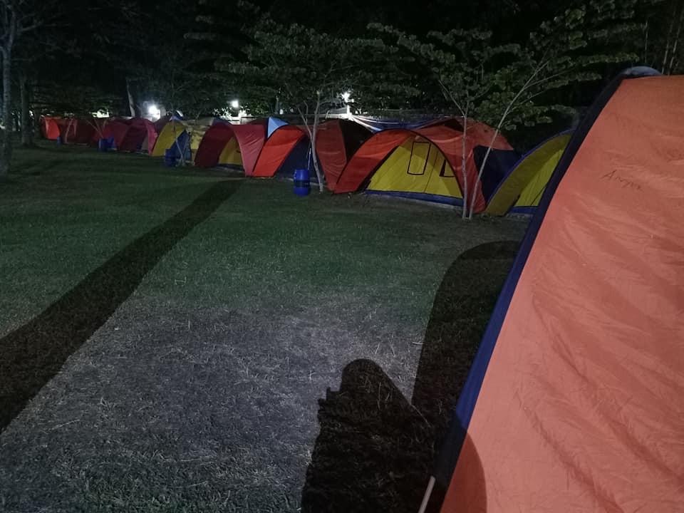 keindahan panorama camping ground malam hari