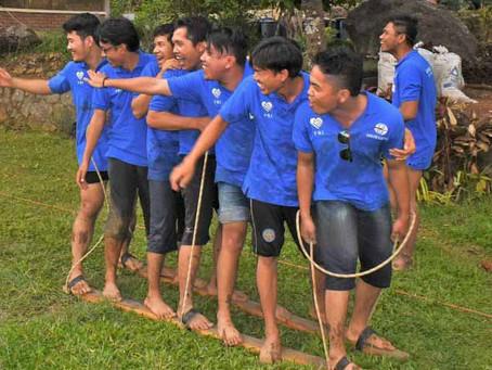 Games Team Building Bakiak Race