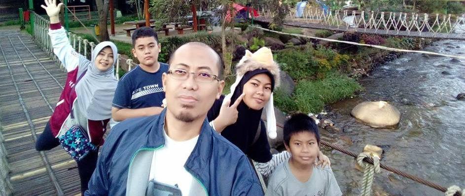 foto liburan keluarga