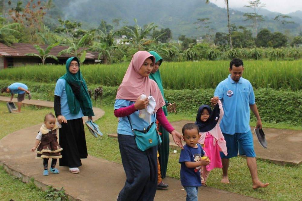 Gathering keluarga di citra alam riverside