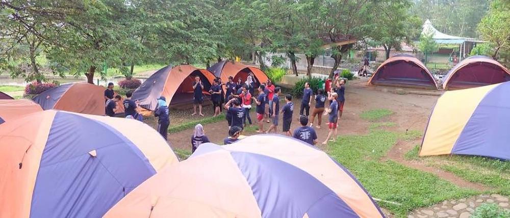 permainan outbound dalam kegiatan camping