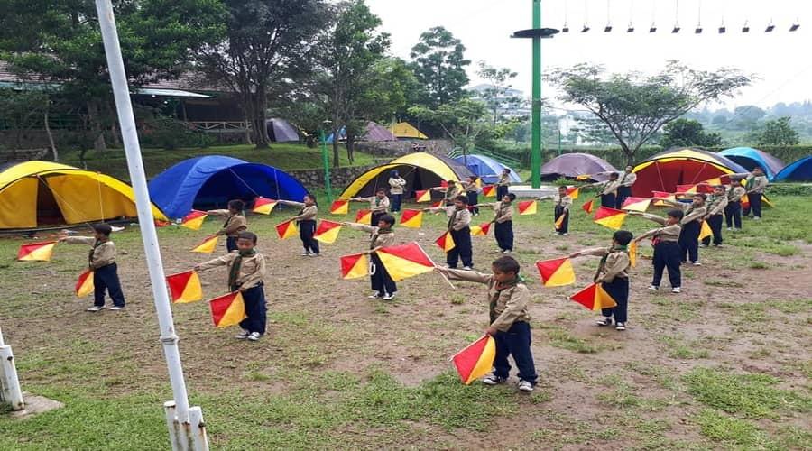 outbound anak dalam latihan camping pramuka