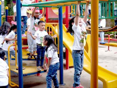 Sikap Tegas Orang Tua Batasi Anak Bermain Gadget