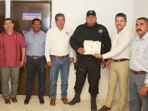 Eduardo Meza Medina, agente del mes de la DGSPPPyTM
