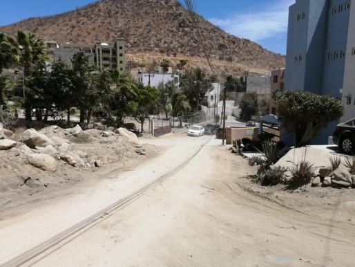 Anuncia Gobierno de Los Cabos trabajos de pavimentación sobre la calle Águila en Cabo San Lucas