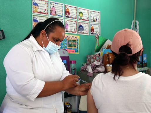 Sector Educativo de Los Cabos recibe vacuna contra el COVID-19