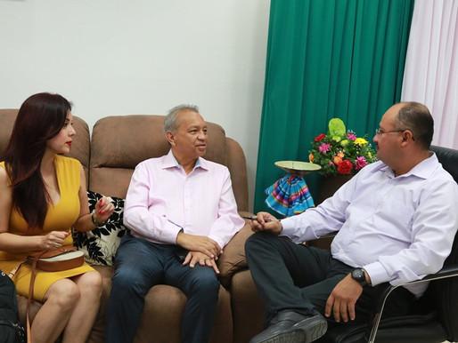 Atiende alcalde Walter Valenzuela Acosta, al Comité de Ciudades Hermanas.