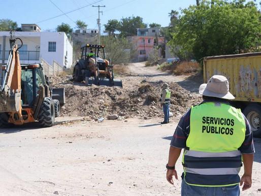 e manera integral son atendidas vialidades y colonias de La Paz: Servicios Públicos