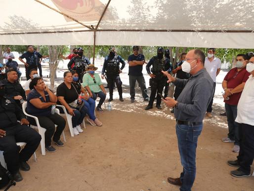 Walter Valenzuela se reúne con elementos de Seguridad Pública de Comondú