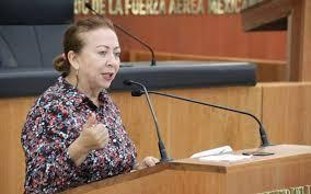 """""""La violencia  y  discriminación generada  en  las  terapias transgrede derechos  humanos""""."""