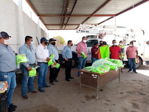 Autoridades entregan uniformes a trabajadores compensados de Servicios Públicos Municipales
