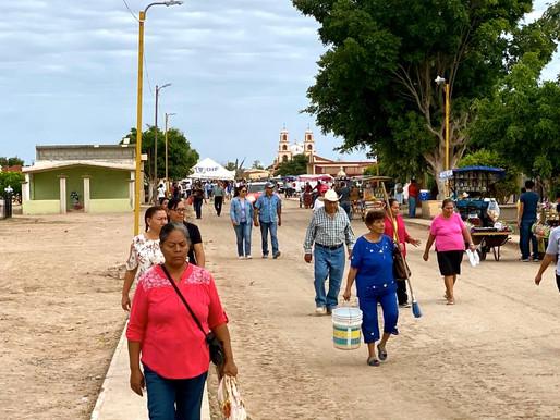Con motivo del Día de Muertos miles de visitantes acudieron a los camposantos del municipio de Comon