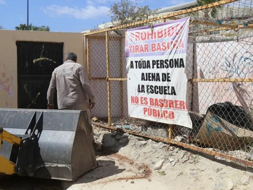 Ante posibles lluvias, el Gobierno de Los Cabos continúa con la limpieza de refugios temporales