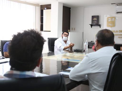 Gestiona el Alcalde Walter Valenzuela la compra de leche a productores de Comondú