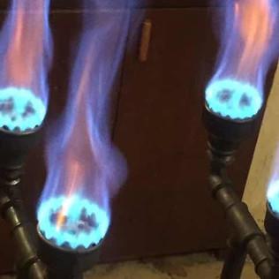Quemador de 4 fuegos para olla de 250 litros.
