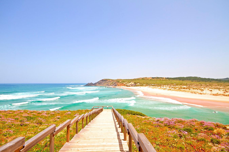 Canva - Amoreira beach in the Algarve Po