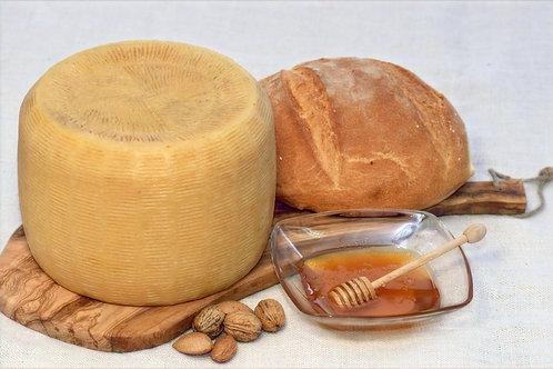 Fromage Canestrato (vache/brebis) demi-vieux, Salvatore Passalacqua,