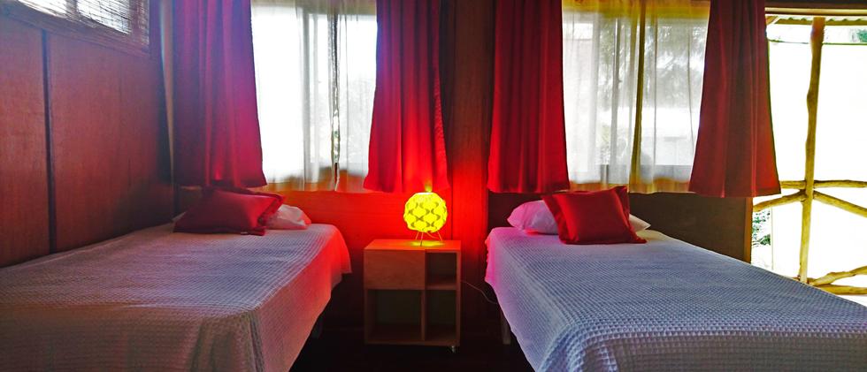 single_bed_room_8_sugars_monkey_playa_gr