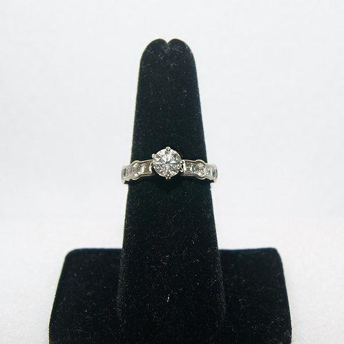 Women's Round Cut Wedding Ring