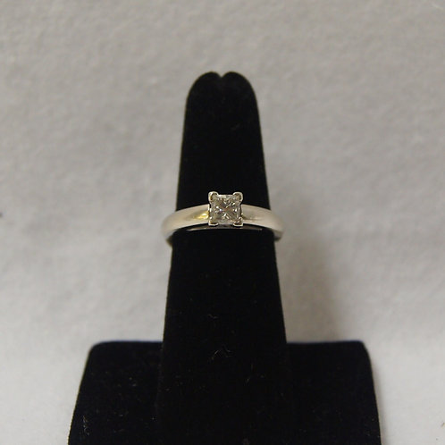 Women's Princess Cut Diamond Ring