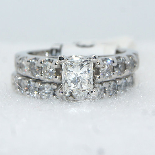 Women's Princess Cut Engagement Ring