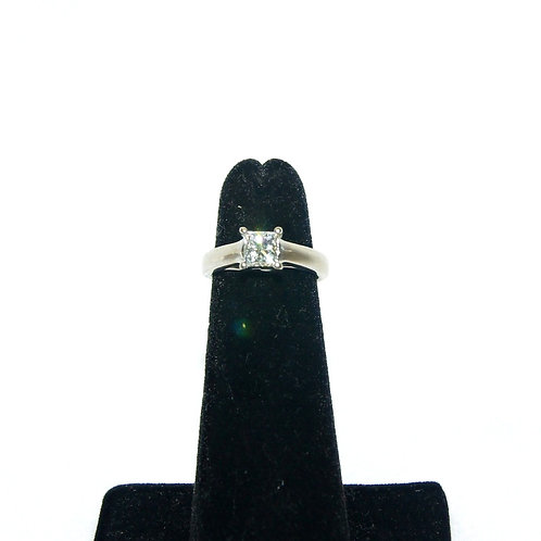 Women's Single Solitaire Wedding Ring