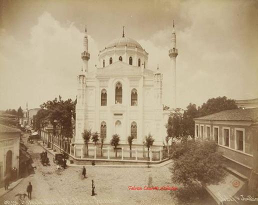 Mosquee Validee a Ak Serai a Stamboul 116. 1890s