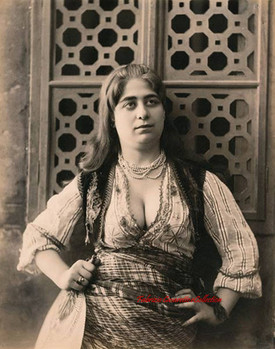Jeune femme turque. 1890s.jpg