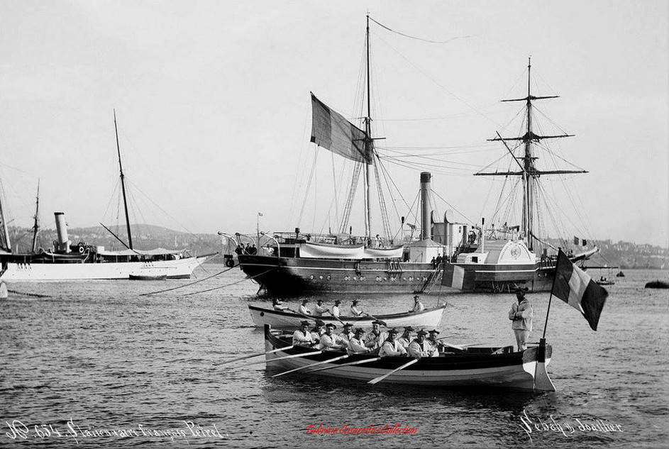 Stationnaire francais Petrel 654. 1900s