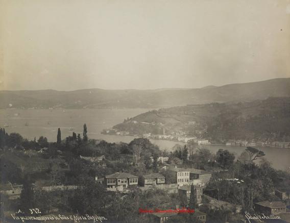 Vue panoramique de la Cote d'Asie du Bosphore 372. 1890s