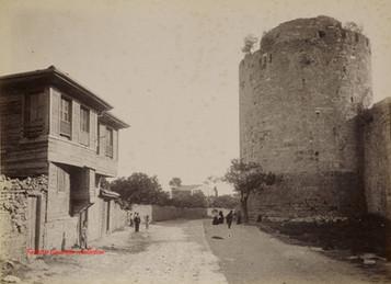 Vue des Sept Tours. 1890s