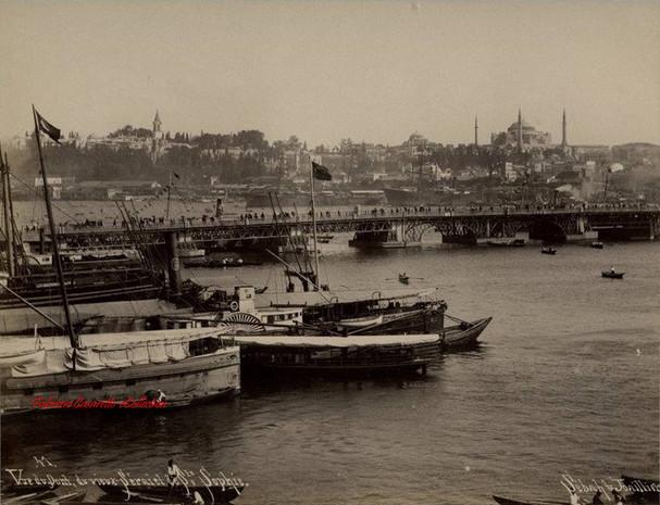 Vue du pont, du Vieux Serail et de Ste Sophie 41. 1890s