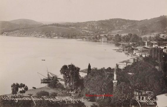 Vue generale de Sultan Tchair a Beycos. Bosphore 455. 1889