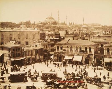 Place d'Emine Eunu a Stamboul et la mosquee Suleymanie 406. 1890s