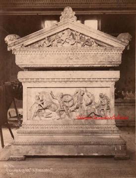 Le sarcophage dit d'Alexandre 84. 1890s