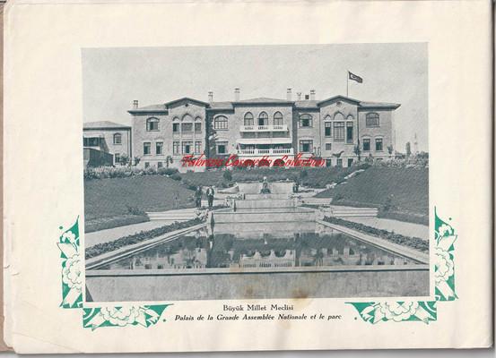 6 - Palais de la Grande Assemblee Nationale et le parc