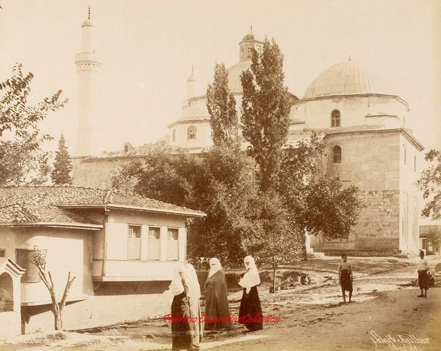 Exterieur de la mosquee Verte, Brousse, 68. 1890s