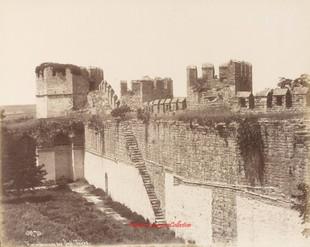 Vue interieure des Sept Tours 70. 1890s