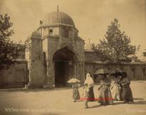 Porte centrale de la cour de Suleymanie 829. 1890s