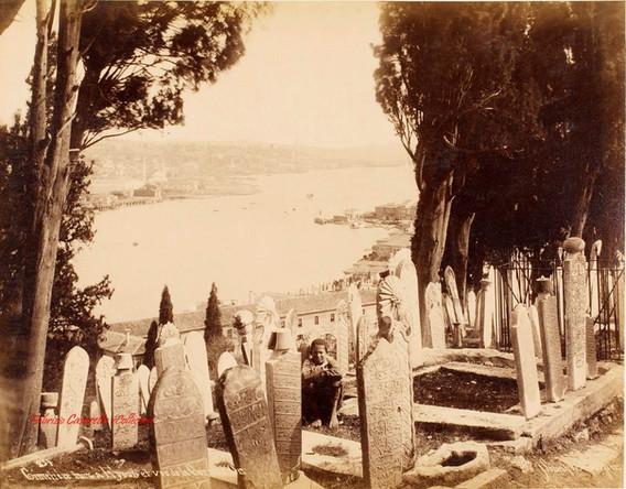 Cimetiere turc a Eyoub et vue de la Corne d'Or 254. 1890s