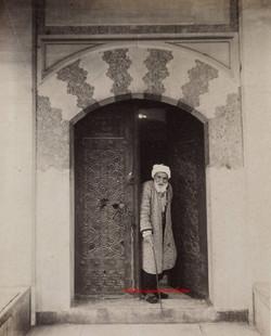 Porte de la mosquee Roustem Pacha. 1890s