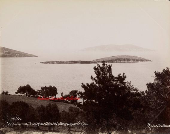 Iles des Princes. Vue de Proti, de Pita et d'Antigoni, prise de Halki 14. 1890s
